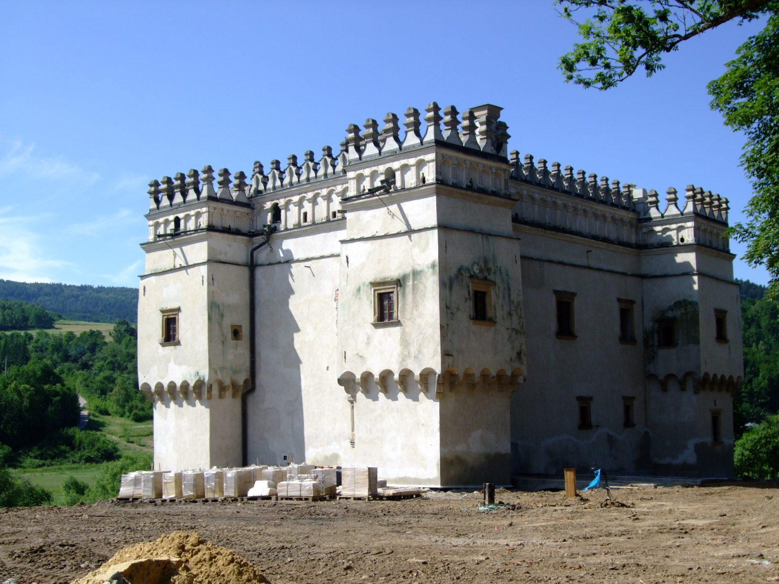 Remont Kasztelu w Szymbarku